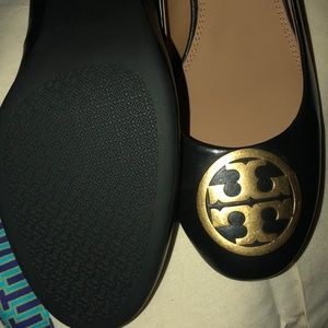 Tory Burch Shoes - Brand new Tory Burch Benton pump w/box & dust bag